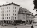 Neubau am Wilhelm-Mertens-Platz am 24. August 1954.